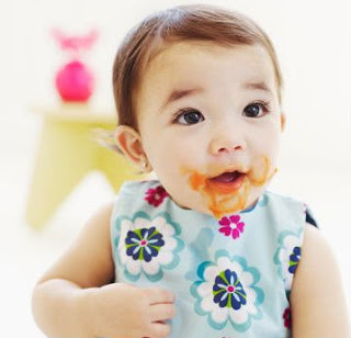 Que alimentos dar (ou não) para um bebê com intestino preso