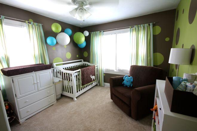 quarto menino bebe baloes