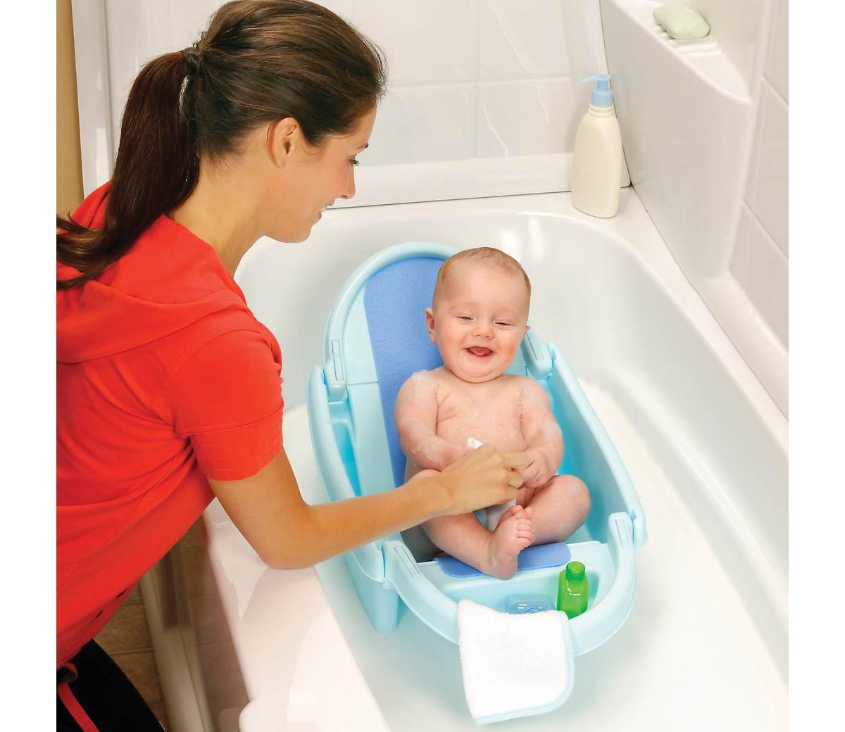 Banheira para bebê: como fazer uma boa compra : Mil dicas de mãe #B1211A 1200x1040 Banheiro Com Banheira Dimensões