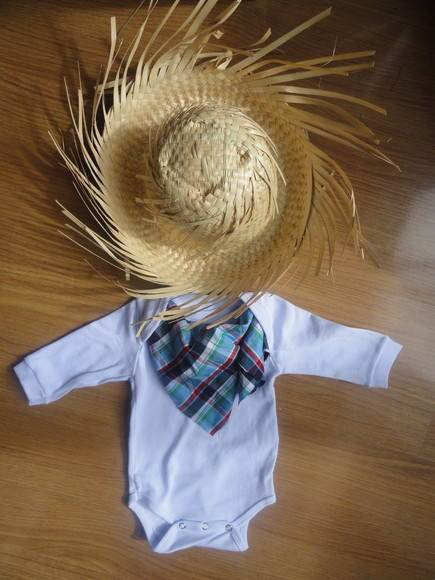 Vestidos e roupas infantis de festa junina!