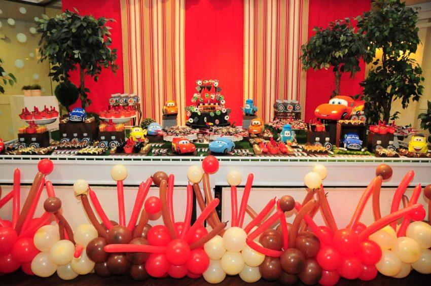 Festa Carros: muito colorida e alegre!