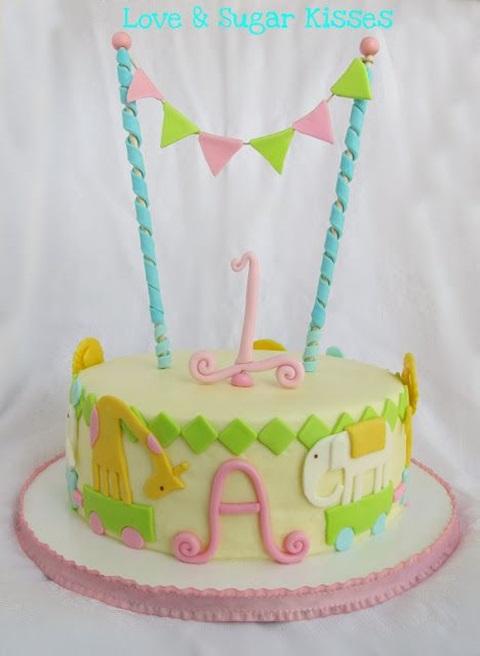 bolo de aniversario bandeirinha