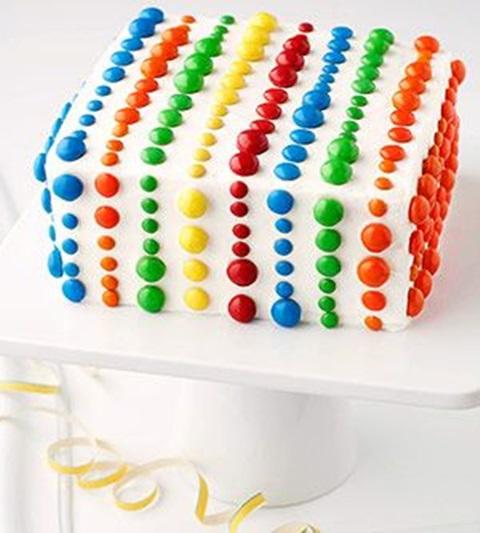Cute Easy Birthday Cake Decorating Ideas : bolo de aniversario confeitos