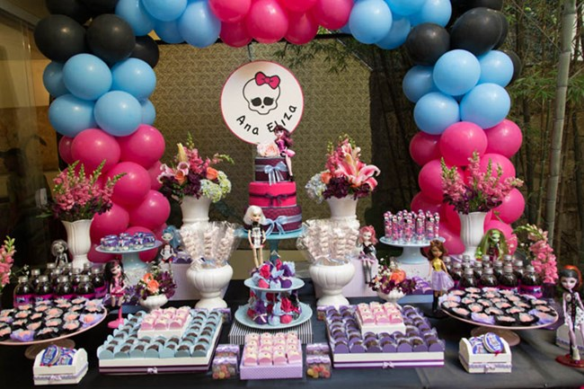 Decoração de festa Monster High em rosa e azul