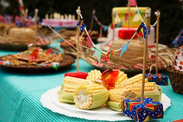 http://www.sertao.com.br/blog/decoracao-de-festa-junina