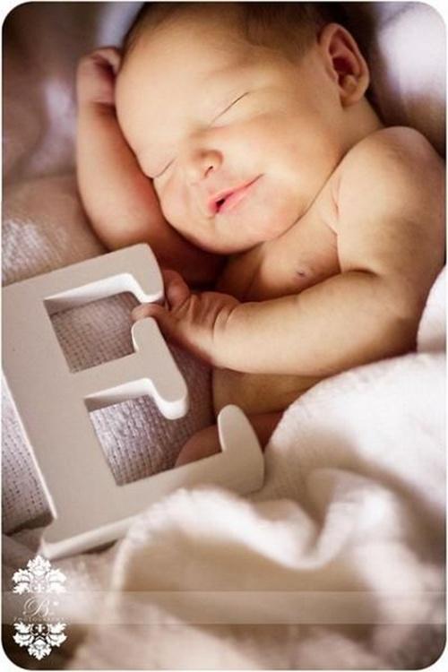 http://lovelynewbornphotos.blogspot.com/