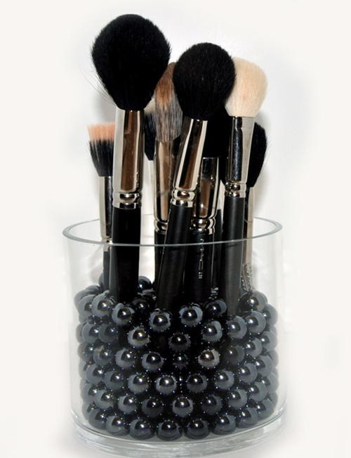 http://www.temptalia.com/storage-solutions-brushes