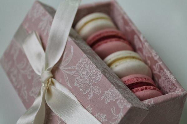 13 ideias de lembrancinhas cor-de-rosa para chá de bebê