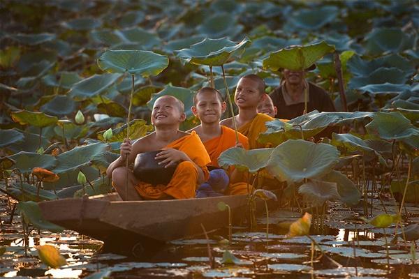 Tailândia  http://500px.com/photo/32860075/smile-by-sarawut-intarob (Sarawut Intarob)