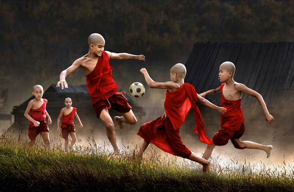 Mianmar http://www.theopen.ca/portfolio/chan-kwok-hung/11825 (Chan Kwok Hung)