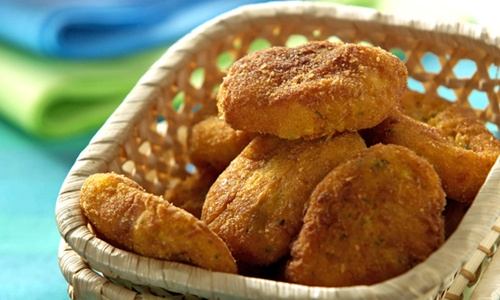http://mdemulher.abril.com.br/culinaria/receitas/nugget-milho-634912.shtml