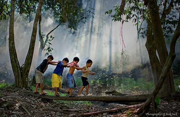 Indonésia http://500px.com/photo/10727627/%27children%27s-play%27-by-hendrik-priyanto (Hendrik Priyanto)