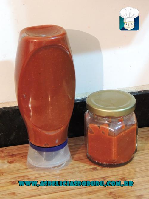 http://www.asdeliciasdodudu.com.br/2014/06/ketchup-caseiro.html