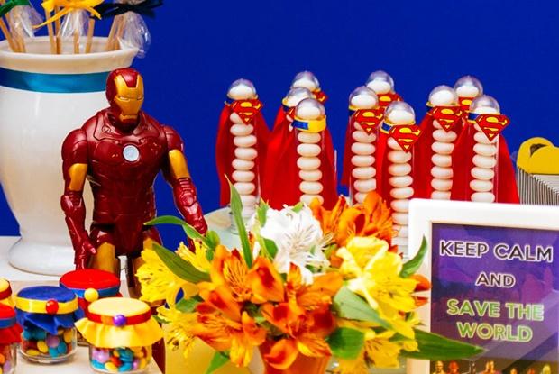 Festa Super-Heróis: alegre e divertida!