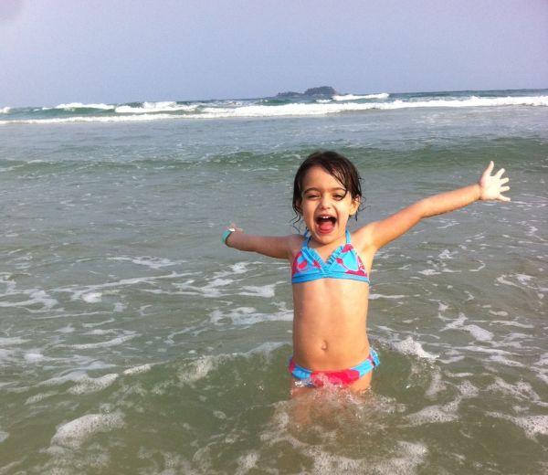 Catarina na praia!