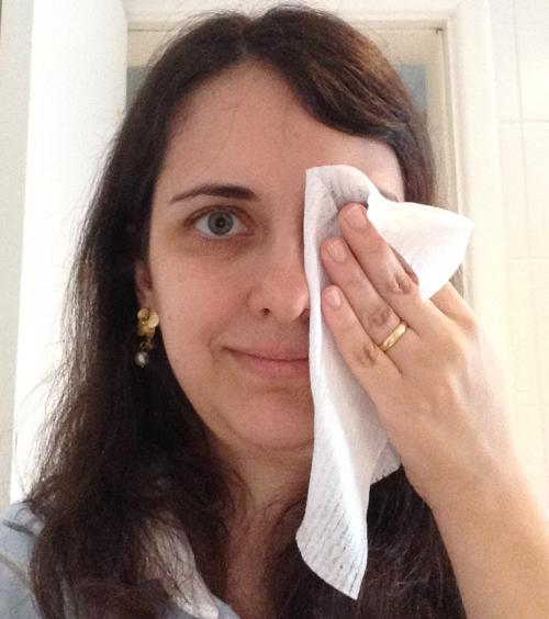 Um novo uso para os lenços umedecidos do seu bebê