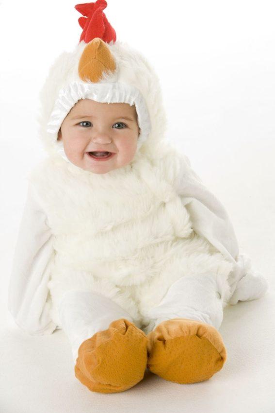 bebê fantasiado de galo