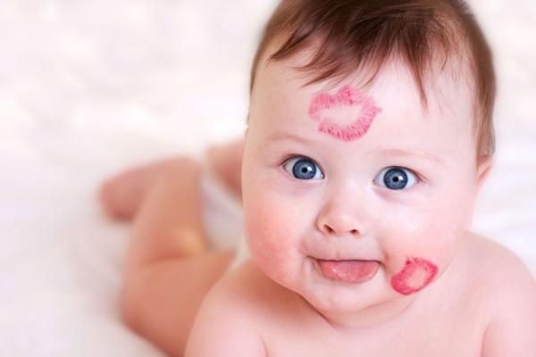 beijos no bebe