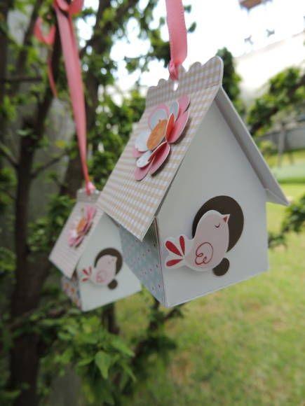 Imagem:  http://www.elo7.com.br/casa-de-passarinho-jardim-secreto/dp/31C90E