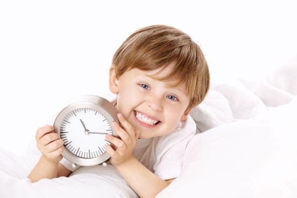 Quando é hora do meu filho parar de dormir durante o dia?