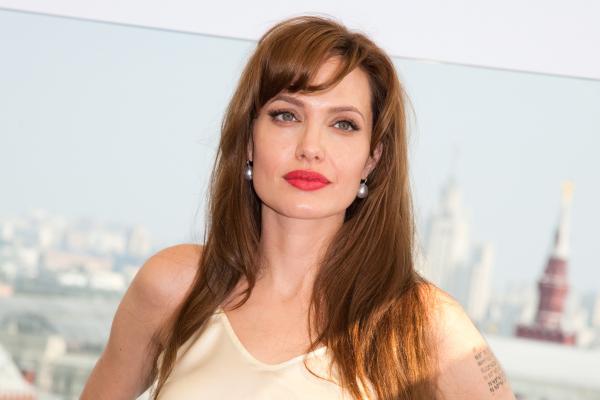 Depois da dupla mastectomia, Angelina Jolie tira os ovários (como eu admiro essa mulher!)