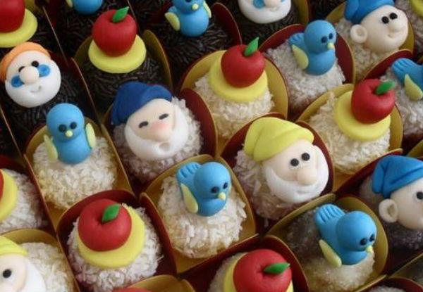 Imagem: http://www.elo7.com.br/branca-de-neve-docinhos-modelados