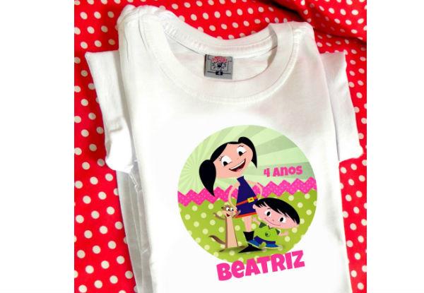 Imagem: http://www.elo7.com.br/camiseta-show-da-luna-com-nome/dp/4CE909#nd=0&df=d&uso=o&pso=up&osbt=b-o&srq=0&sv=0
