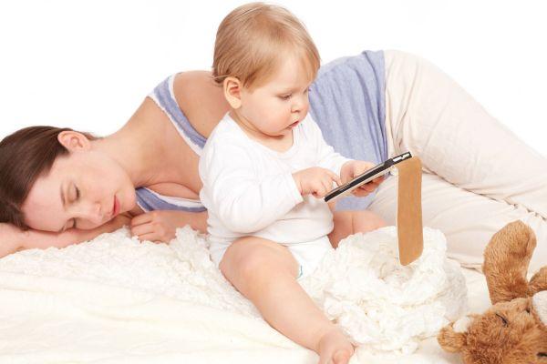 mae dormindo bebe tablet