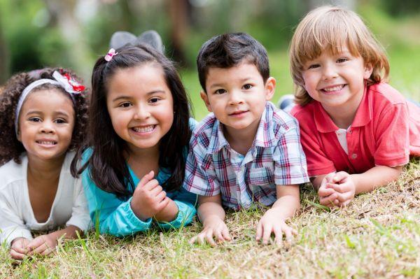 7 benefícios das brincadeiras para o desenvolvimento do seu filho