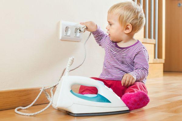 10 perigos que você deve evitar em casa, para garantir a segurança do seu filho