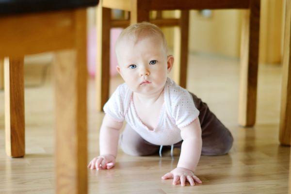 10 dicas para adaptar a casa para o bebê que está engatinhando!