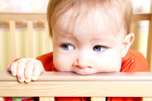 Dicas importantes para garantir a segurança do seu filho no berço