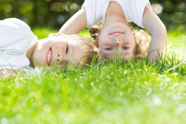 Crianças que passam mais tempo em atividades ao ar livre têm menos miopia