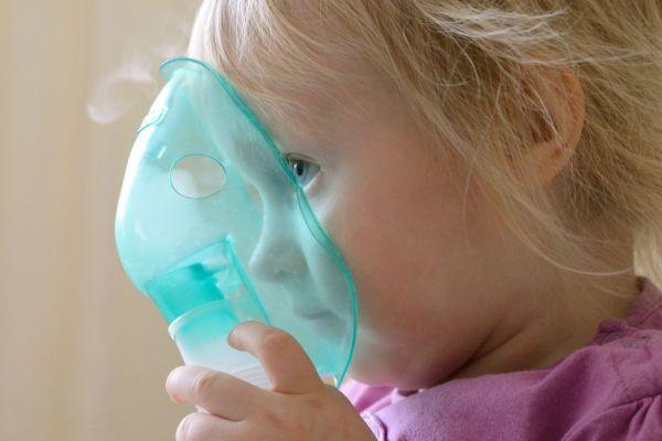 5 dicas caseiras para combater a tosse noturna do seu filho
