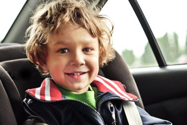 5 brincadeiras para fazer no carro (e passar o tempo durante as viagens)