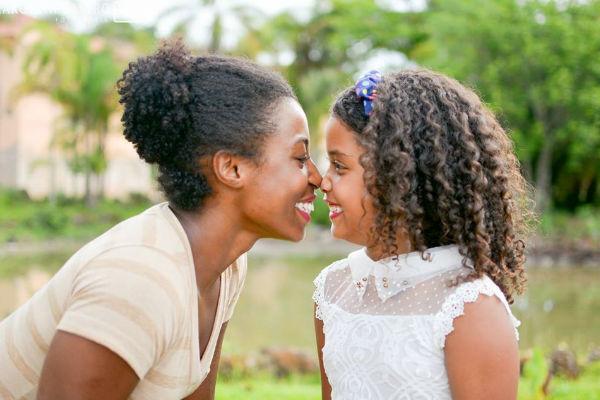 Projeto fotográfico incentiva meninas a amarem seus cachos (lindo!)