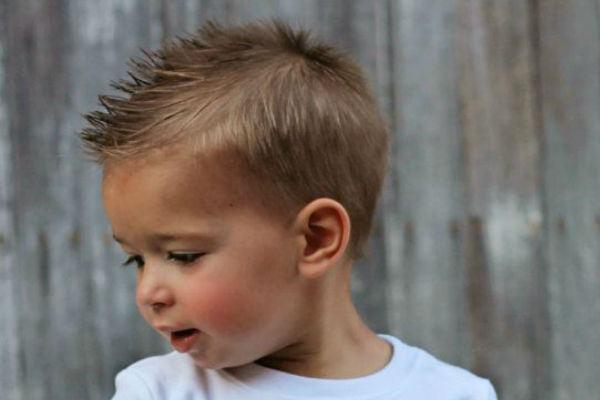 30 ideias de cortes de cabelo para meninos (inspire-se!)