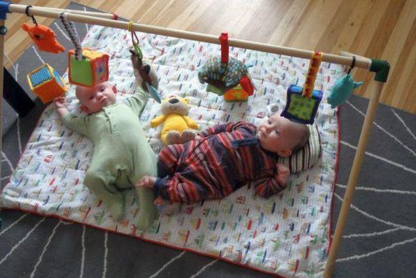Como brincar com o bebê menor de um ano (dicas práticas para fazer em casa!)