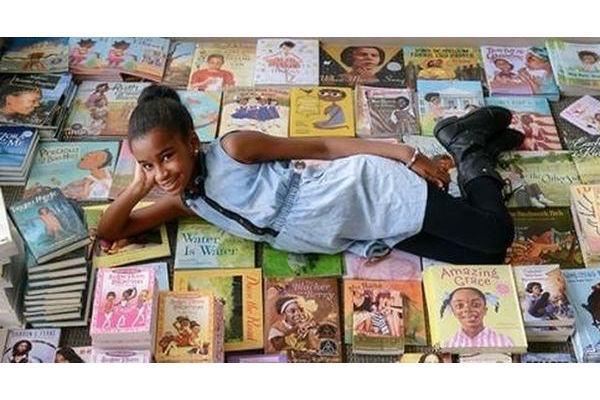 A menina que juntou mil livros com protagonistas negras (e algumas obras que seus filhos precisam conhecer)