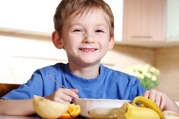 Ideias de lanches para crianças com restrição alimentar
