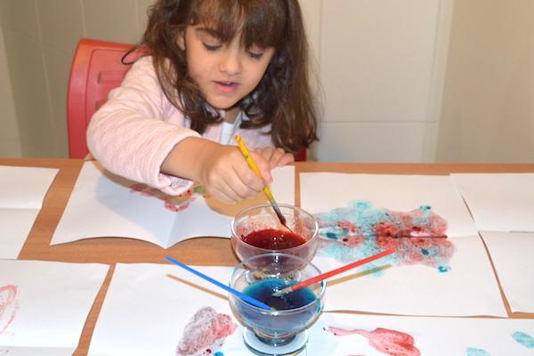 Dica de brincadeira: colorindo com gelatina!