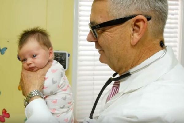 Técnica impressionante para fazer o bebê parar de chorar