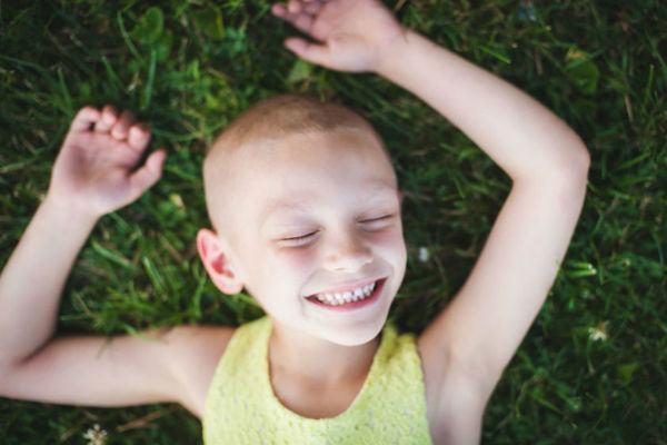 Os ensaios encantadores de crianças com câncer