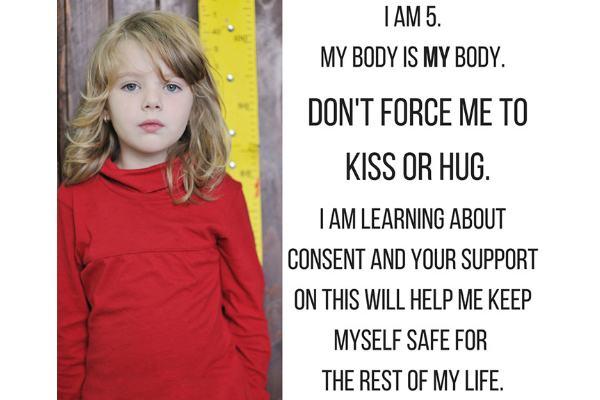 Você obriga seu filho a cumprimentar as pessoas? Campanha diz que você não deveria fazer isso!