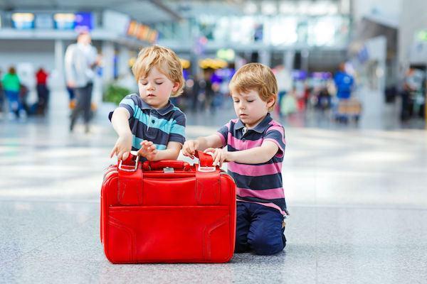 Guia prático para a criança viajar sozinha de avião
