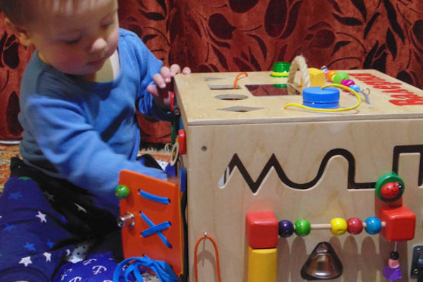 Caixa montessoriana: para divertir e desenvolver seu filho!