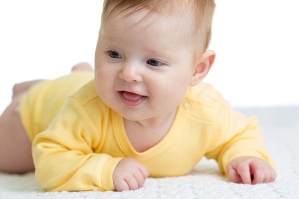 5 dicas para estimular o bebê entre o 4° e o 6° mês