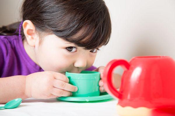 4 receitas de chás naturais contra a gripe para as crianças