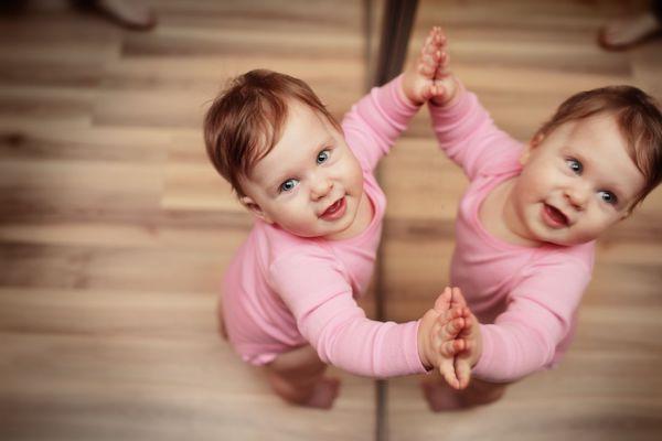 Como estimular o filhote entre 12 e 18 meses (ideias de brincadeiras super bacanas!)