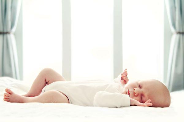 Como ensinar seu bebê a dormir durante o dia – Um guia para as sonecas!